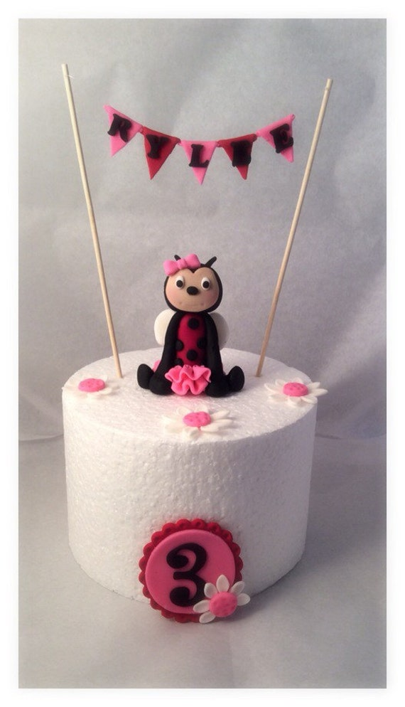 banners fondant cakes