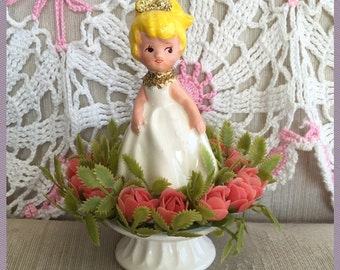 Vintage Inarco Girl With Glitter On Pedestal Ceramic Figurine Surrounded By Flowers