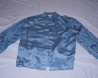 Vintage 1980's - Blue Corporate Woman Size 6 silk shirt with shoulder pads