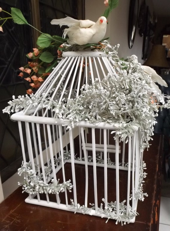 white wooden bird cage retro vintage wedding by earlygaragesale. Black Bedroom Furniture Sets. Home Design Ideas