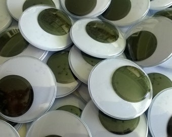30 Craft Eyes ~ Wiggly Wobbly Googly Eye ~ 40mm in Size ~ SELF ADHESIVE