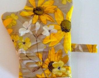Sunflowers & Daisies Oven Mit