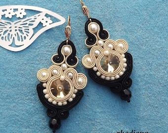 Crystals Gleam Cream & Black  earrings