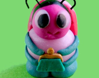 Ettie Travel Bug Companion (with purse)