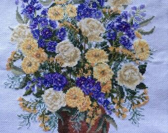 Flower vase cross stitch
