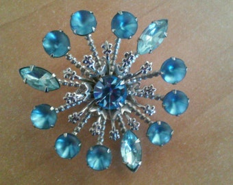 Vintage STARBURST Multi-Deminsional Blue Rhinestone Brooch Pin Frosted & Clear Stones Statement
