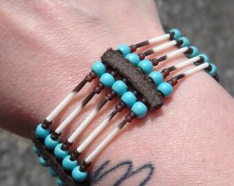 Porcupine quills bracelet. Native american bracelet. Porcupine Quill jewelry. Cuff Bracelet American Indian. Porcupine Totem Medecine Spirit