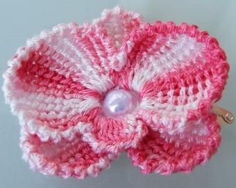 Handmade crochet flower. Hair pin. Shaded Light pink. Crochet hair pin. Hair accessories.