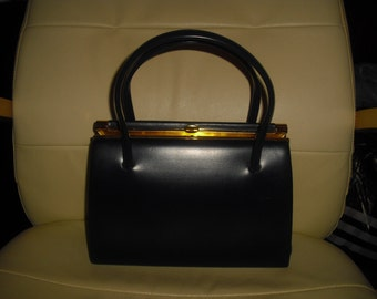 Chamelle vintage immaculate ladies handbag in navy blue with suede interior