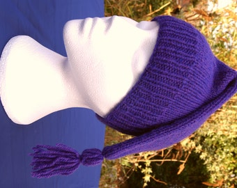 Hand knit Canadian Voyageur style hat. Reenactment hat. Handknit hat. Men's knit hat. Purple hat. Hat with tassel. Unusual quirky hat