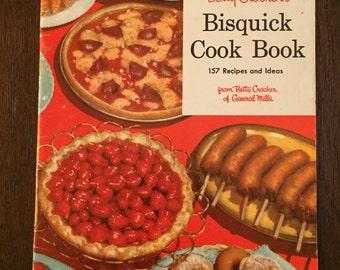 Betty Crocker's Bisquick Cook Book, vintage cookbook