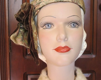 "Beautiful Vintage 40's ""Clara Voien"" Asian Print Silk Brocade Ruched Velvet Bandeau Half Hat Fascinator"