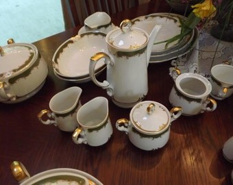 Elegant 18 Place Setting Regency China by Home Style (150 Pcs) w. Completer Pieces
