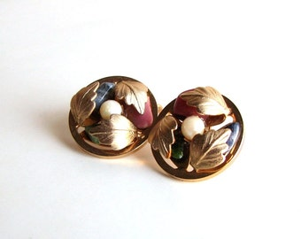 vintage clip on earrings . gold leaf and stone earrings by Sarah Coventry . semi precious stone and brushed gold