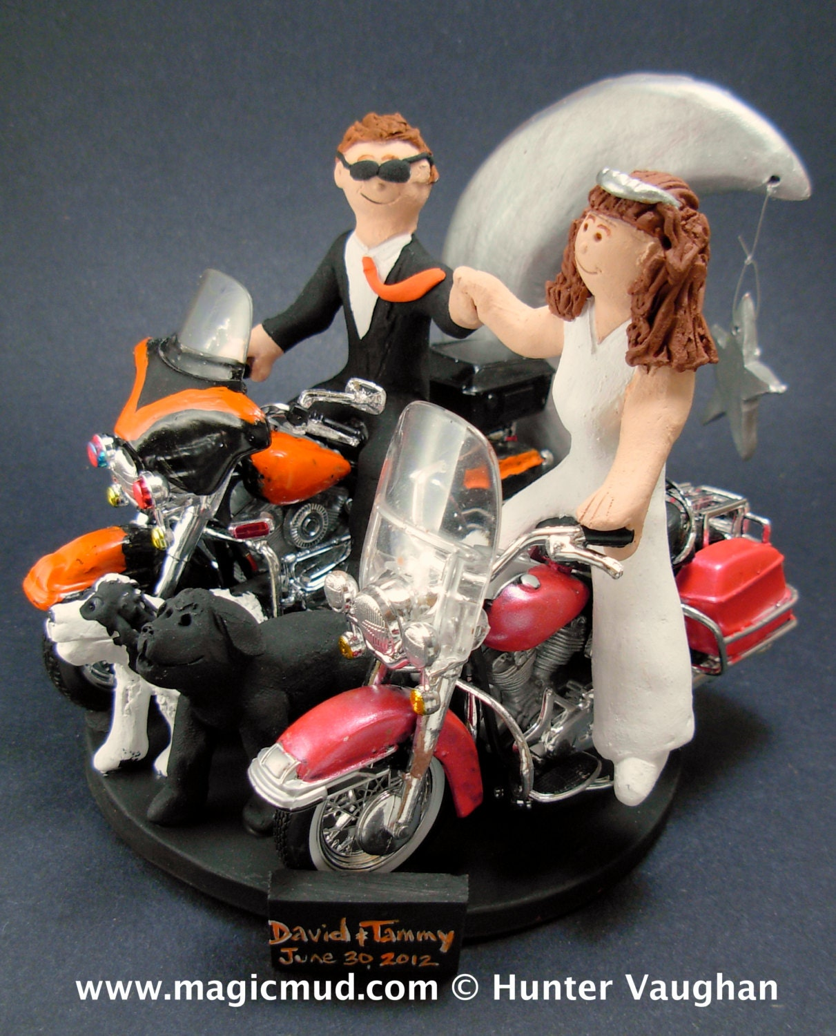 motorcycle cake topper and groom harley davidson motorcycles wedding 6052