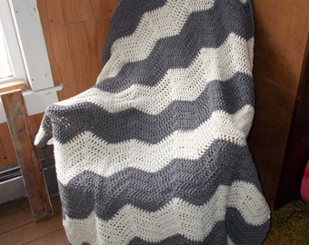 Chevron Ripple Afghan-Heather Gray and Cream-Large size-Ready to ship