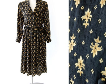 classic vintage silk dress / Maggy London shirt dress / black foulard fleur de lis print / Button Front  / long sleeve s m