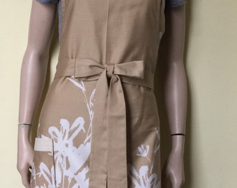 SALE Womens Apron Full Apron Khaki Floral (Expand Image to view Flowers)