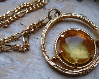 FREE SHIPPING Vintage Yellow Rhinestone Pendant with Textured Goldtone Setting and Chain Necklace