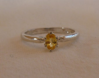 lemon drop yellow 5mm x 3mm oval cut sapphire sterling silver ring size 4.5