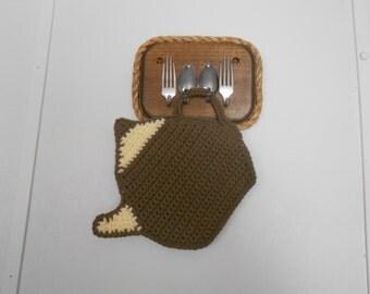 Mocha Brown Tea Pot, crocheted pot holder / hot pad / trivet