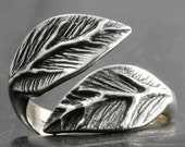 Leaf ring in sterling silver - Available in various adjustable sizes - elf pixie tribal boho
