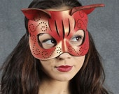Tatted Kitty mask in red and gold