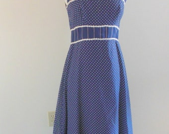 Polka fun dress / vintage 1970s maxi dress / vintage 1970s maxi dress