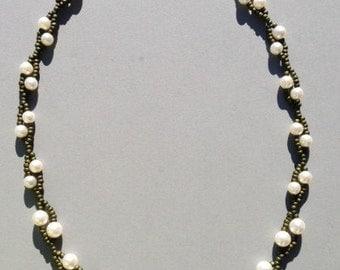 Neasden Beaded Twig & Pearl necklace