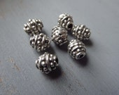 Small silver Metal beads patterned oval bali style spacer metal casting beads - pewter tone,antiqued silver tone - 6 x 3mm / 16 pcs- 6am4057