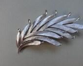 Trifari Vintage Feather / Leaf Brooch silvertone