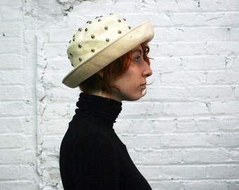 neutral minimalist vintage studded bowler hat / cream wool panama hat made in italy / 80s 90s