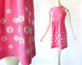 1960s Mini Dress / Pink Daisy Dress / 60s Dress / Embroidered Dress / Floral Dress / XXS XS