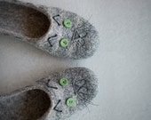 Cat slippers Women house shoes Grey clogs for cat lover Natural gray organic sheep wool clogs Eco friendly home shoes Felted slippers