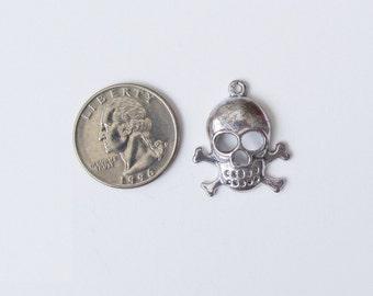 6 Pcs   Silver Skull and Cross Bones Charm Pendant