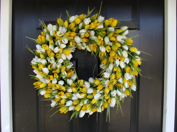 Easter Wreath- Easter Decoration- Spring Wreath- Tulips- Spring Decor- Spring Decoration- Tulip Wreath