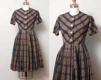 1950s Dress - Chevron Folk Print 50s Full Skirt Day Dress