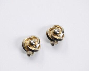 70s Brass Circular Clip on Earrings