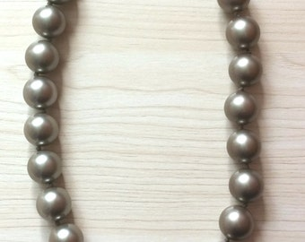 Sale... Elegant Gunmetal Green Strand of Faux Pearls. Perfect Jewelry Gift. Gift for her. ETSY Gift. Birthday Jewelry Gift