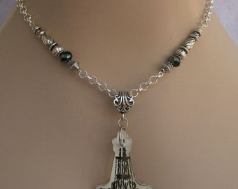 Black & White Chandelier Pendant Necklace Jewelry Handmade NEW Chain Acrylic Silver Accessories Fashion