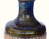 Blue Cream Flower Vase Striped Texture