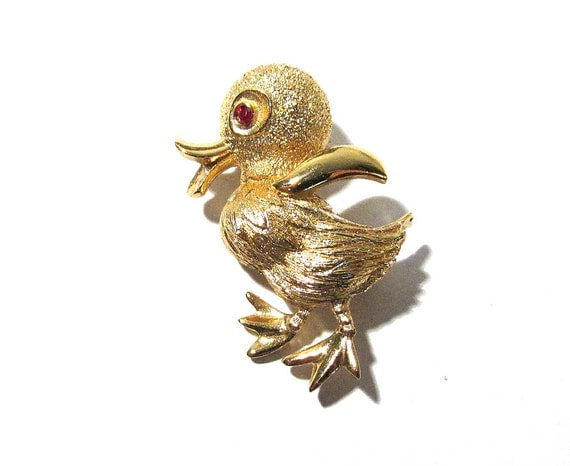 Monet gold duck brooch vintage red rhinestone eye gold tone easter pin