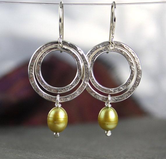 Silver and Pearl circular earrings -Ripples