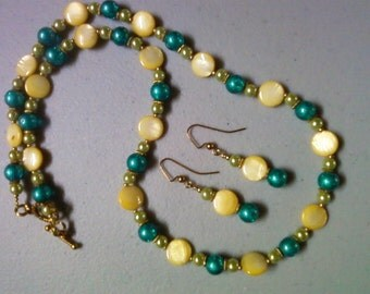 Yellow, Teal and Green Pearl and Shell Necklace and Earrings (0817)