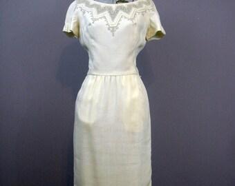 Ivory 1950s Dress // Vintage Irish Linen Dress // Cocktail Dress Fall Fashion // Alternative Wedding Dress // Small Vintage Dress