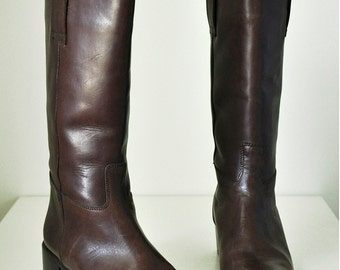 Woman's US Size: 7.5 Brown leather boots made in Italy Simard & Voyer - Classic Style