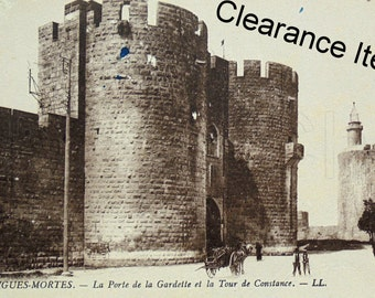 Vintage French Unused Postcard - Aigues-Mortes, Gard, France (Clearance Item)