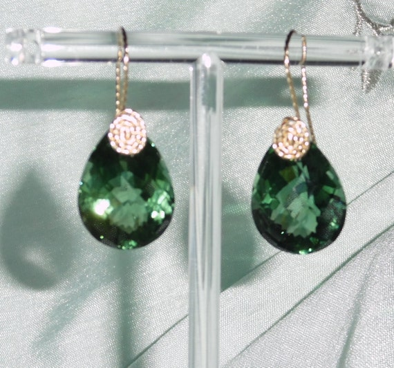 33 cts Natural Pear CKB Green Amethyst gemstones, 14kt yellow gold Pierced Earrings