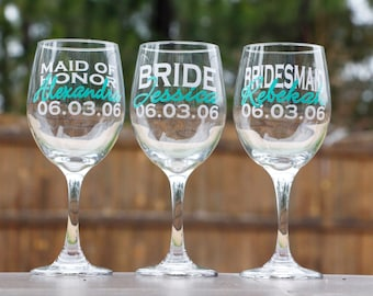 Bridal Party Wine Glasses - Bridesmaid Gifts - Wedding Party Gifts - Personalized Wine Glass