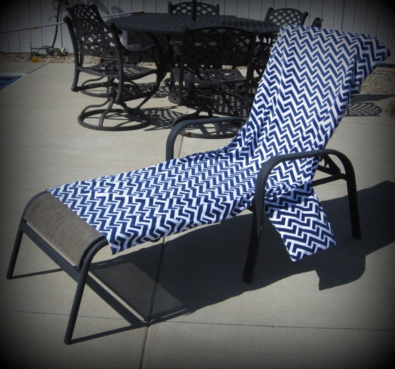Lounge Chair Cover in Greek Key